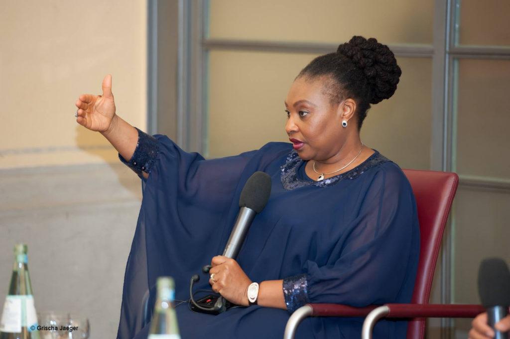Rednerin Yvonne Chaka Chaka