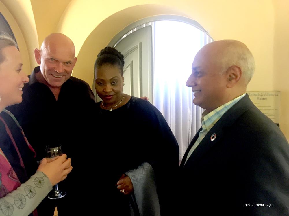 Yvonne Chaka Chaka und Louis Da Gama im Gespräch