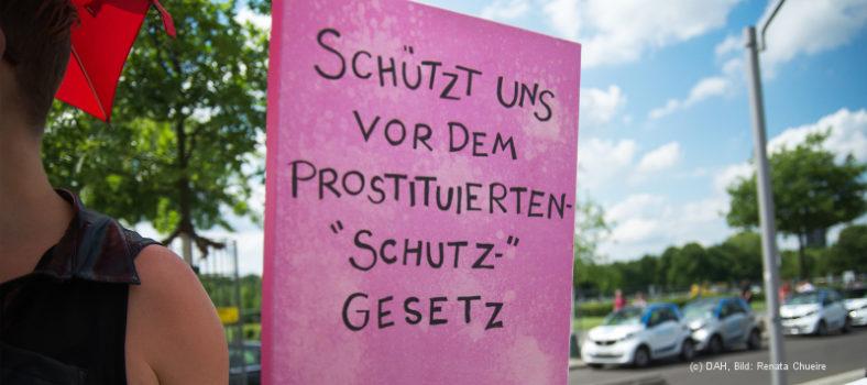 Sexarbeiter_innen protestieren gegen das Prostituiertenschutzgesetz