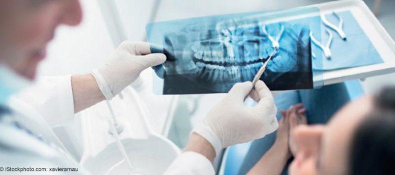 Gespräch beim Zahnarzt