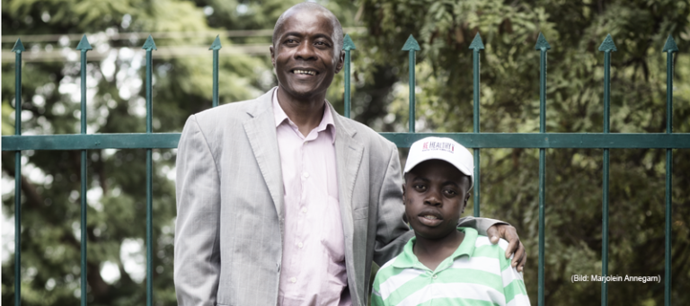 Vater und Sohn - HIV in Sambia