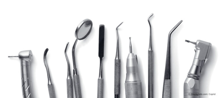 Bei der Behandlung von Menschen mit HIV in der Zahnarztpraxis sind keine besonderen Sicherheitsvorkehrungen erforderlich