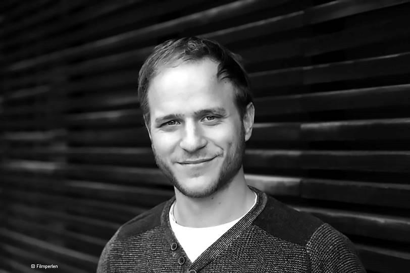 Schwarz-weiß-Porträt Adrian Goiginger