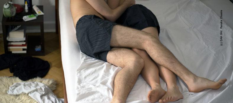 Safer Sex umfasst heute Kondome, Schutz durch Therapie und PrEP