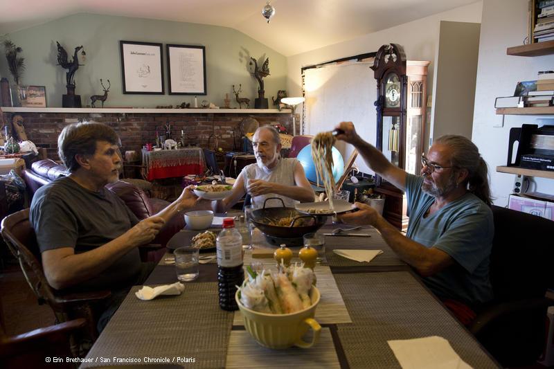 Ganymede mit Partnern am Tisch Last Men Standing