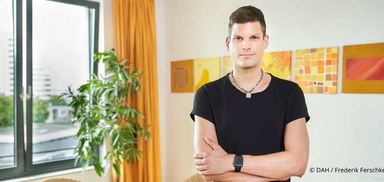 Alex im Checkpoint der Berliner Aids-Hilfe - ein wichtiger Beitrag zu diskriminierungsfreier Gesundheits-Versorgung für LGBT