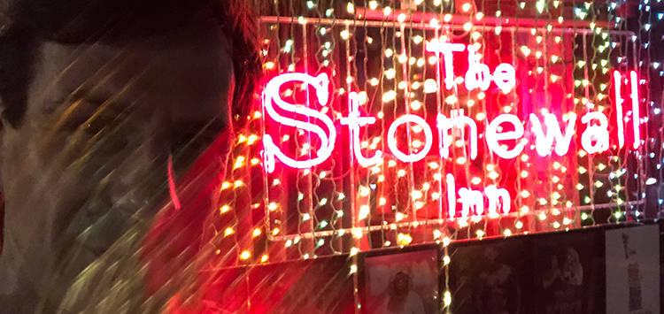 Der Autor vor dem Stonewall Inn
